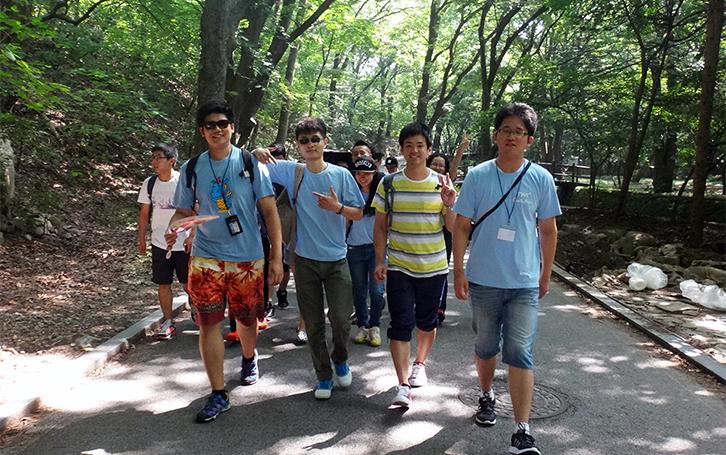 Gong-ju & Gyeryong Mt. Field Trip.jpg